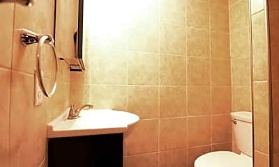 Bathroom, 33 Oak St, 2