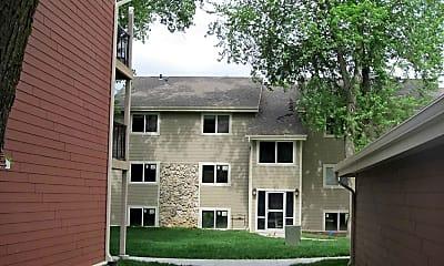 Building, Parkwild Apartments, 2