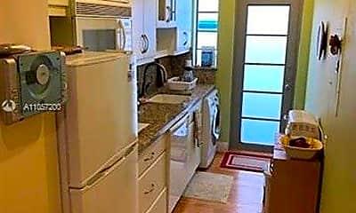Kitchen, 700 Lenox Ave, 2