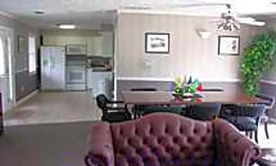 Cumberland Manor Apartments, 2