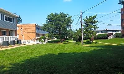 Pine Spring Gardens, 2