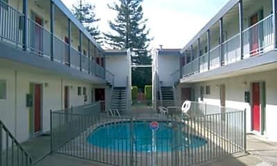 Carmichael Apartments, 1