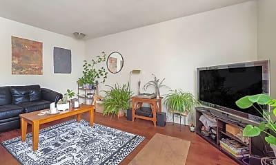 Living Room, 316 E Madison St, 1