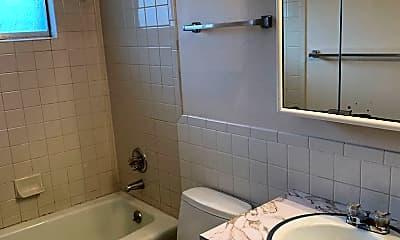 Bathroom, 1339 E 21st St, 1