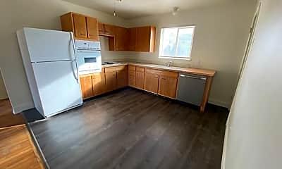 Kitchen, 1070 McKinley Ave, 1