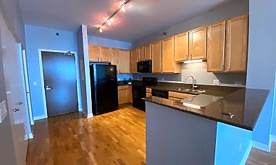 Kitchen, 1322 S Prairie Ave, 1