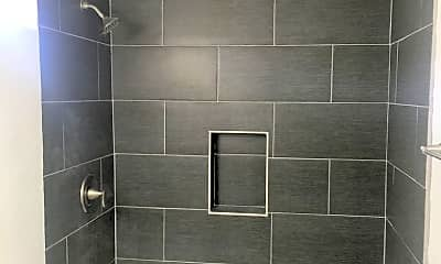 Bathroom, 631 E Elk Ave, 2