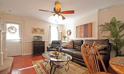 Living Room, 372 E Elm St, 1