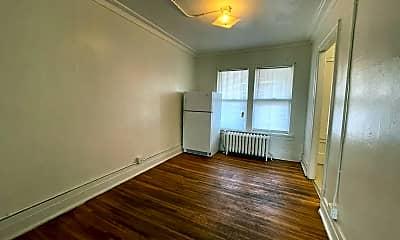 Living Room, 609 Wellington Ct, 1