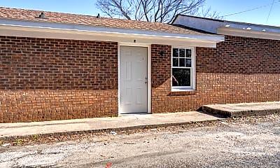 Building, 916 E Raleigh Blvd, 2
