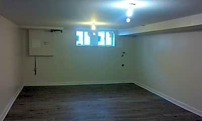 Bedroom, 2010 W Fayette St, 2
