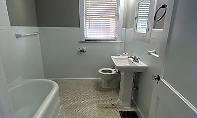 Bathroom, 2109 Eastern Parkway #2, 2