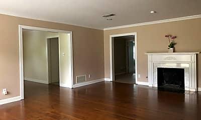 Living Room, 3538 Westcliff Rd S, 1