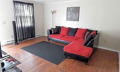 Renwood Apartments, 1