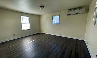 Living Room, 1446 NW Beacon St, 2
