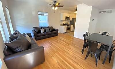 Living Room, 920 Greenwood Ave, 1