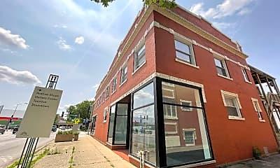 Building, 402 Lake St, 1