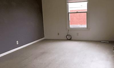 Living Room, 2920 Lincoln St, 1