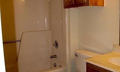 Bathroom, 922 Fannin St, 2