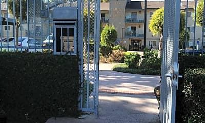 South Bay Gardens Apartments, 1