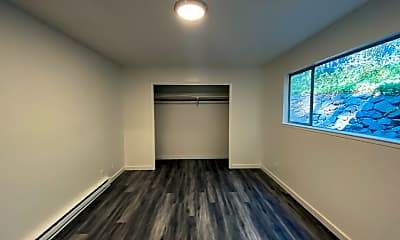 Living Room, 1017 W Main St, 2
