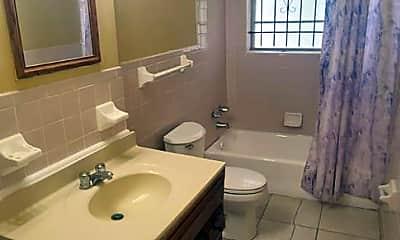 Bathroom, 1662 W 24th St, 2