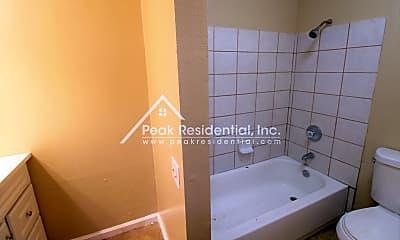 Bathroom, 2625 Del Paso Blvd, 2