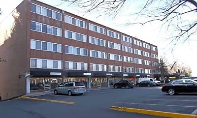Building, Broadfalls Apartments, 2