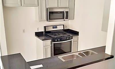 Kitchen, 1215 E San Antonio Dr, 1