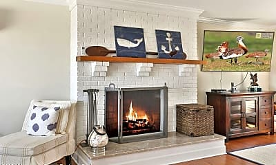 Living Room, 340 Bay Ln, 0