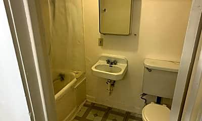 Bathroom, 1955 A St, 2