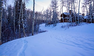 350 Spruce Ridge Ln, 2