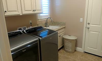 Kitchen, 1206 Paradise Loop, 2