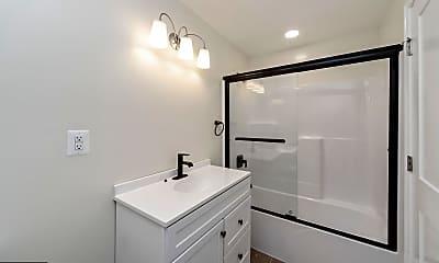 Bathroom, 4418 Walnut Rd, 2