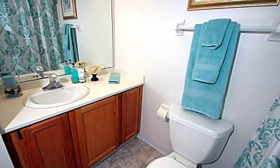 Bathroom, Foxcroft Apartments, 2