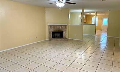Living Room, 2007 Swenson Ct, 1