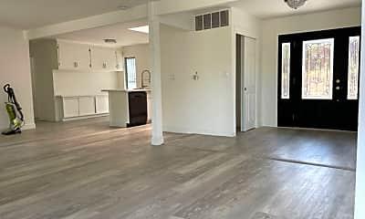 Living Room, 3196 Diablo View Rd, 1