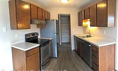 Kitchen, Greenwood Vista Apartments 11541 Greenwood Ave N, 2