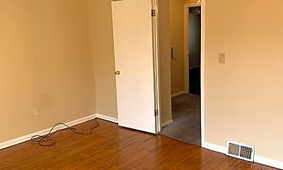 Bedroom, 27901 Mills Ave, 2