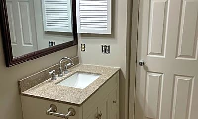 Bathroom, 104 Empire Ct, 2