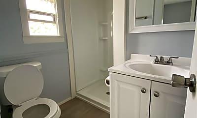 Bathroom, 866 9th St NW, 2