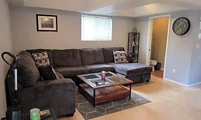 Living Room, 533 Copper Basin Rd, 1