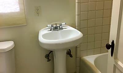 Bathroom, 1137 E 10th St, 2