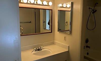 Bathroom, 6 Admiral Drive #280, 2