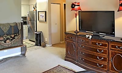 Living Room, Court Woods Apartments, 1