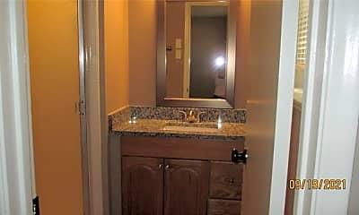 Bathroom, 13435 Blossomheath Ln, 2