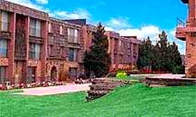 1001 Apartments, 1
