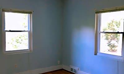 Bedroom, 118 S Waccamaw Ave, 2