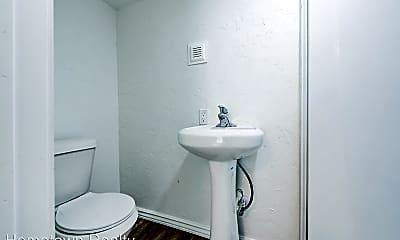 Bathroom, 225 NW 24th St, 2
