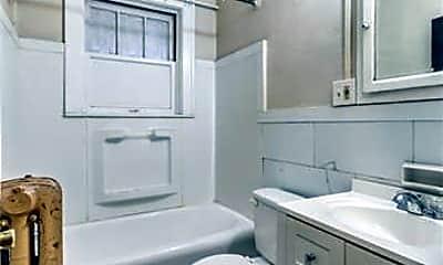 Bathroom, 5618 S Grand Blvd, 2